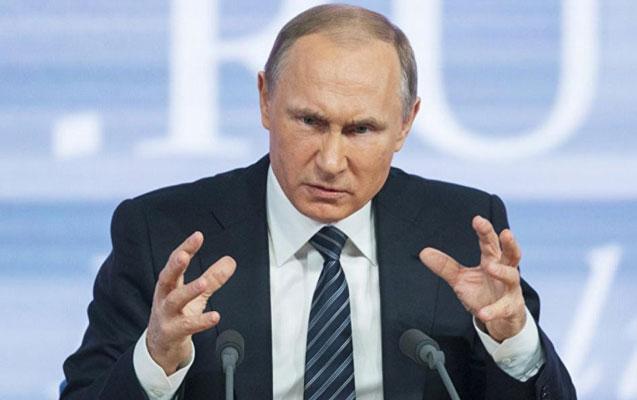 Putin jurnalistlə bağlı qalmaqala görə iki generalı işdən qovdu