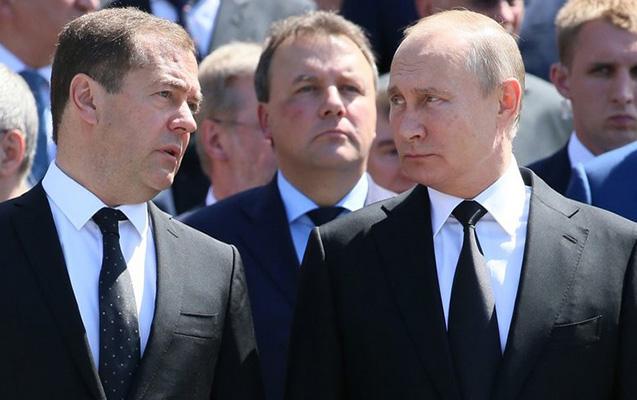 Putin Medvedevi bu vəzifəyə gətirəcək