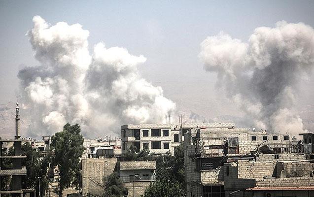 Rusiya İdlibi bombaladı