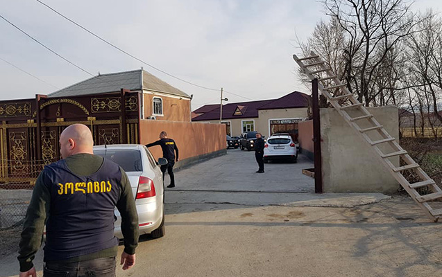 Tbilisidə azərbaycanlı ana və iki oğlu saxlanılıb