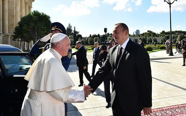 İlham Əliyev Roma Papasına məktub ünvanlayıb