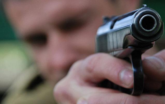 Gürcüstanda iki polis bir-birini güllələyərək öldürdü