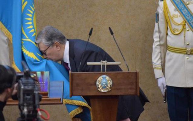 Nazarbayev getdi, o gəldi