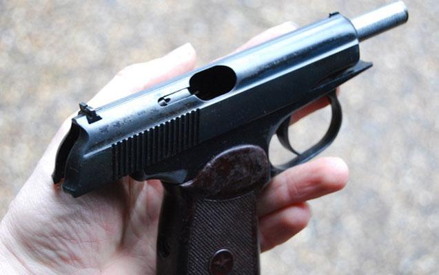 """Biri """"Revolver"""", digəri """"Makarov""""la tutuldu"""