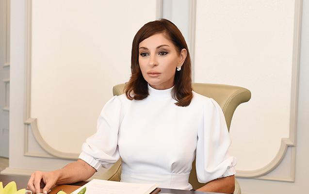 Mehriban Əliyeva Nazarbayevanı təbrik edib