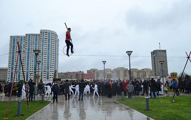 Bakı Novruzu böyük təntənə ilə qeyd edir