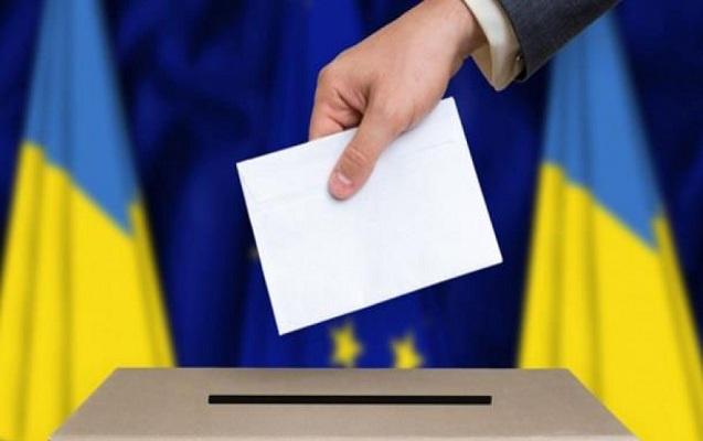 Ukraynada seçki zamanı 1000-ə yaxın qanun pozuntusu aşkarlanıb