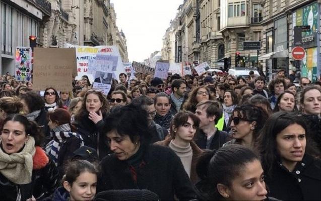Fransada müəllimlər aksiya keçirdi - Dərslər dayandı