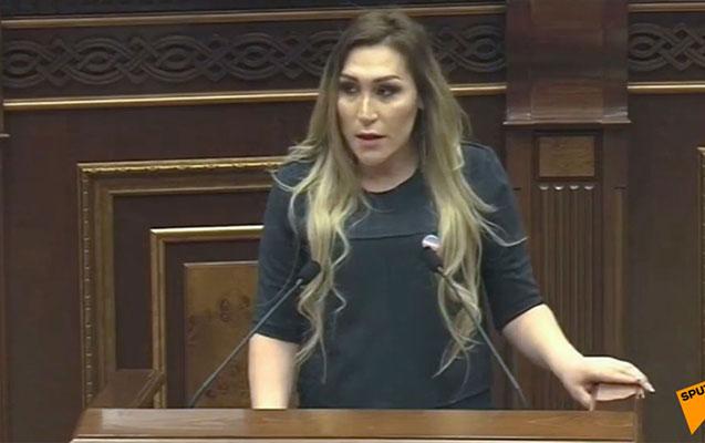 Ermənistan parlamentində transgenderin çıxışı qalmaqal yaratdı