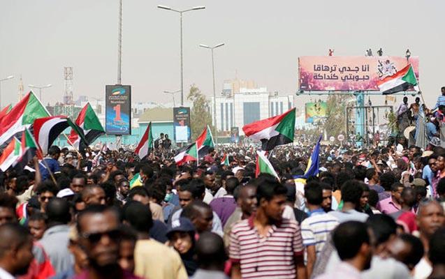 Sudanda fövqəladə vəziyyət elan olundu