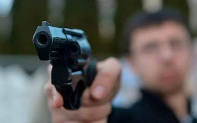 Rusiyada 10-cu sinif şagirdi bir ailəni qətlə yetirdi