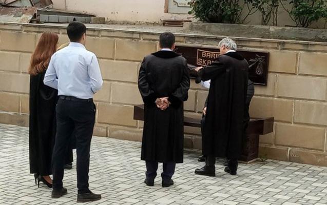 """Hakim tərəfləri """"Barışıq skamyası""""nda barışdırdı"""