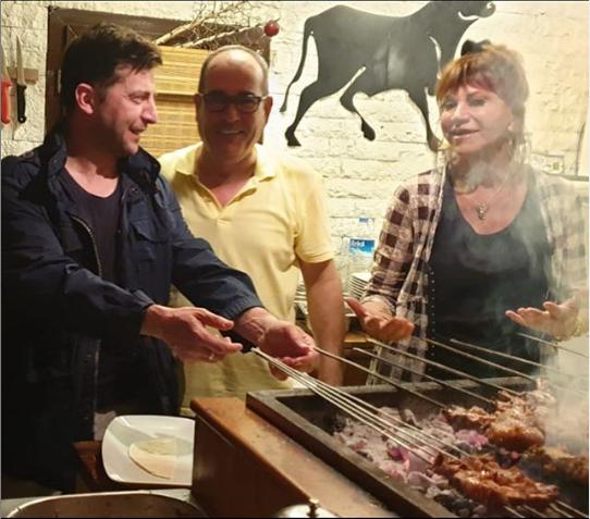 Zelenski Türkiyədə kabab bişirdi - Ərdoğandan ona jest