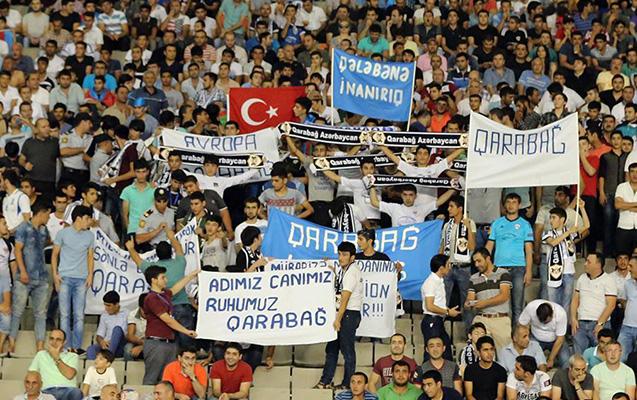 """""""Qarabağ"""" azarkeşlərə pulsuz bilet payladı"""