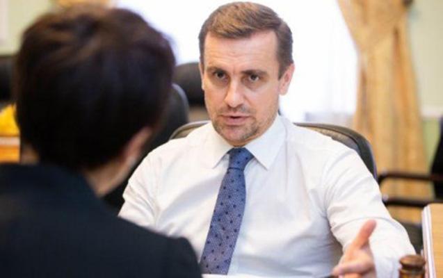 Poroşenko müavinini işdən çıxartdı