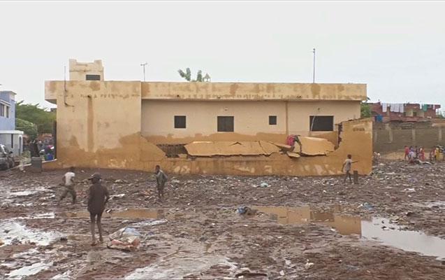 Güclü yağış 15 nəfərin həyatına son qoydu