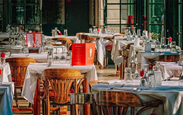 Bu gündən bəzi rayonlarda restoran və kafelər açılır