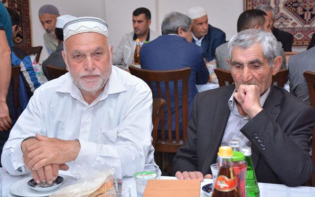 Heydər Əliyev Fondu rayonlarda iftar süfrələri təşkil edir - Foto