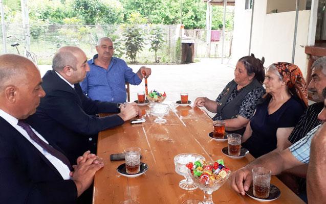 İcra Başçısı Milli Qəhrəman Zabit Quliyevin anasını ziyarət edib