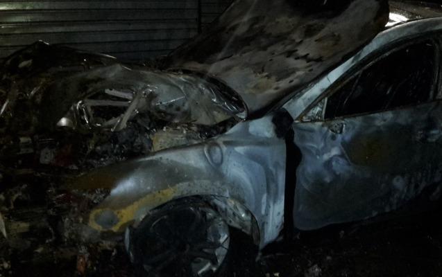 Avtomobildən 5 yanmış insan cəsədi çıxdı