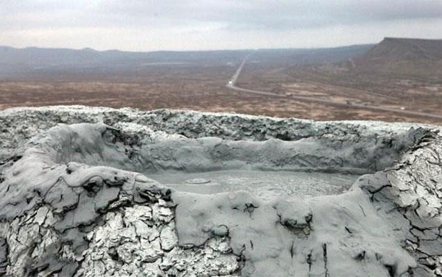 Şamaxıda vulkan püskürdü - 33 il sonra ilk