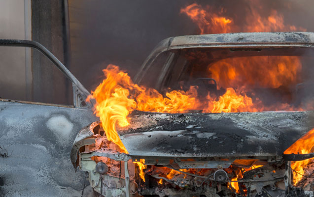 """Bakıda """"Opel"""" yandı"""