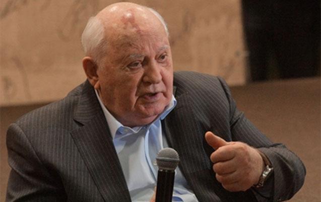 """Qorbaçov """"Çernobıl"""" serialından danışdı"""