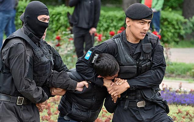 Qazaxıstanda etiraz aksiyalarında 100-dən çox insan saxlanılıb