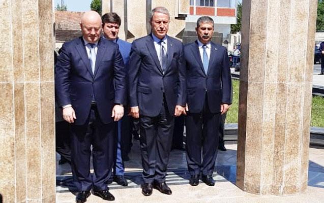Azərbaycan, Türkiyə və Gürcüstan Müdafiə nazirləri Qəbələdə görüşdü