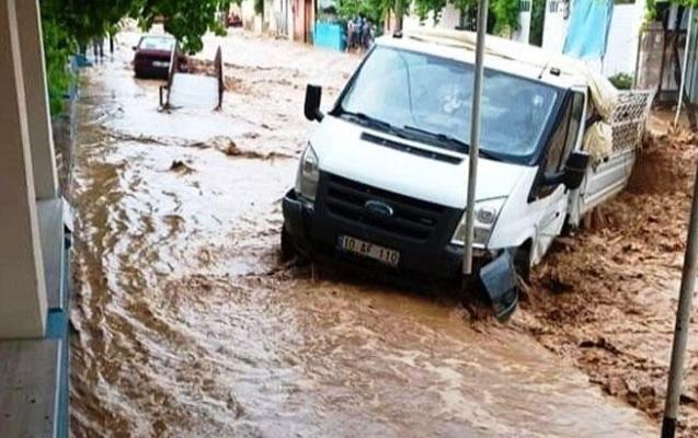 Türkiyənin iki böyük şəhəri sulara qərq oldu