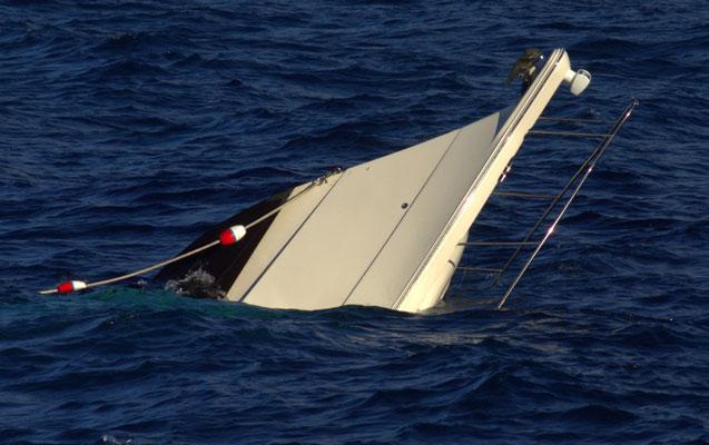 İndoneziyada sərnişin gəmisi batdı