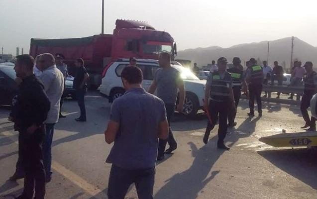 Qaradağda ağır yol qəzası, 3 Banqladeş vətəndaşı öldü