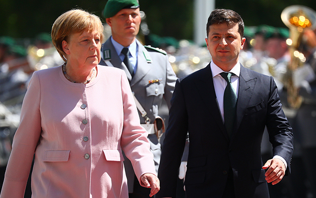 Zelenski Merkellə görüşdü