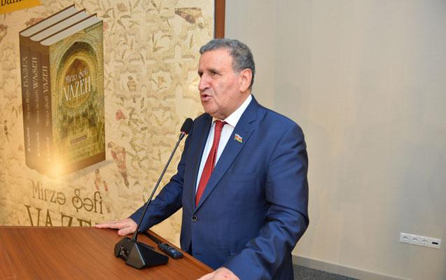 """""""Yay tətilində 30 səhifəlik layihə hazırlamışam"""""""