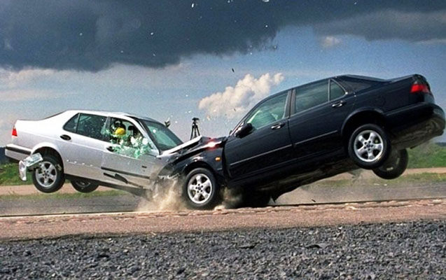 Şamaxıda iki avtomobil toqquşdu