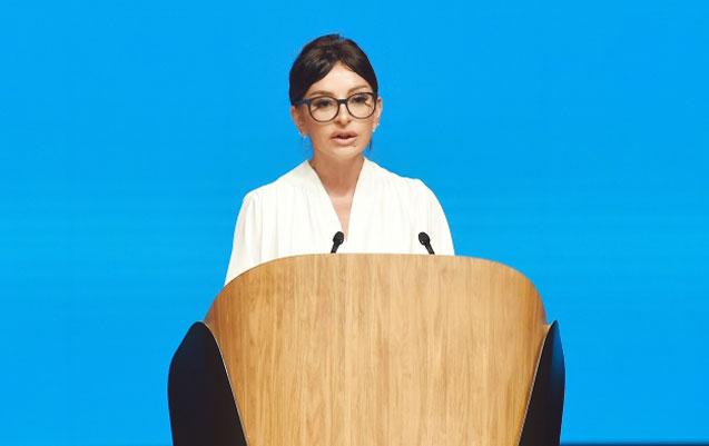 Mehriban Əliyeva BMT-nin Bakıdakı Forumunda - Fotolar