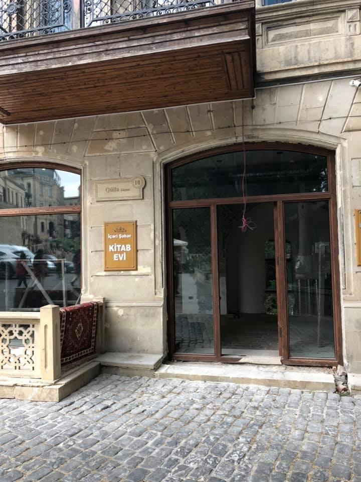 """Elman dayının kitab mağazası """"book-cafe"""" olacaq - Fotolar"""