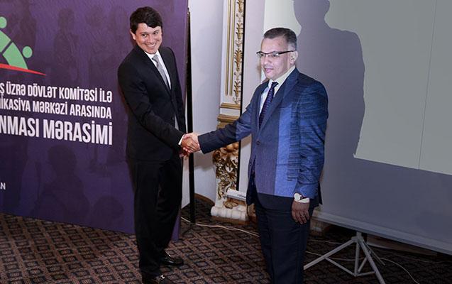 Azərbaycanda ilk dəfə mobil imza vasitəsilə memorandum imzalandı