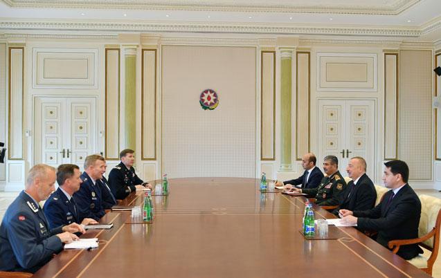 Prezident Gerasimovu və Voltersi qəbul etdi