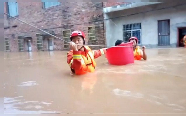 Suya qərq olan Çin...
