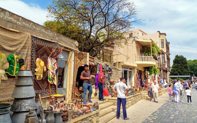 Azərbaycana nə qədər turist gəlib?