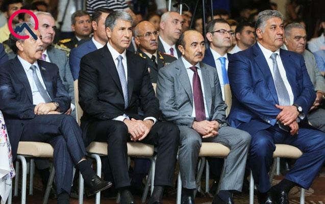 """Rəsmilər """"Ulu öndər"""" filminin təqdimatında"""