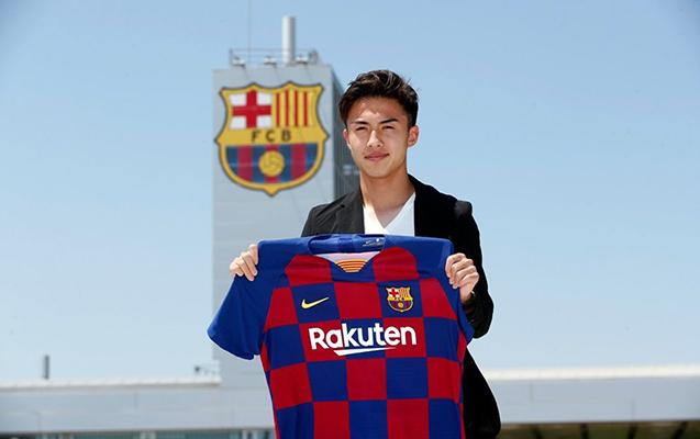 """""""Barselona"""" 20 yaşlı futbolçu aldı"""