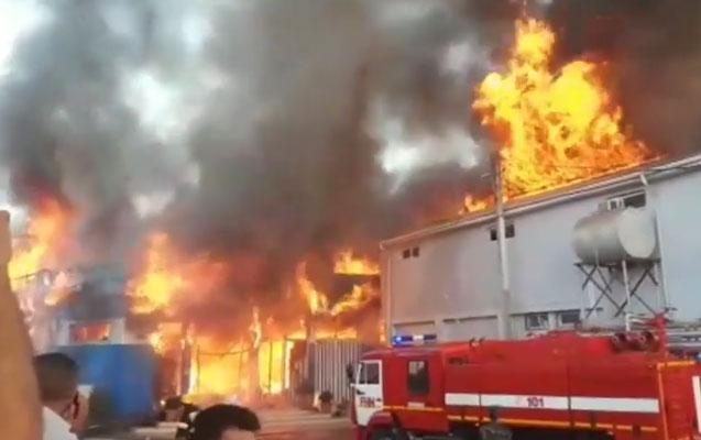 Sabirabadda mağazalar belə yandı