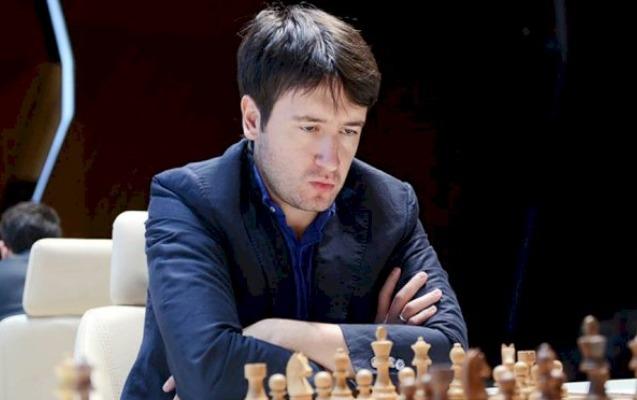Teymur Rəcəbov bu dəfə də heç-heçə oynadı