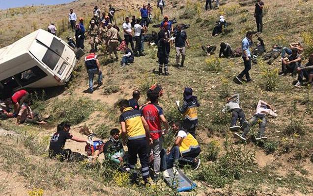 Türkiyədə dəhşətli qəza - 15 ölü, 27 yaralı