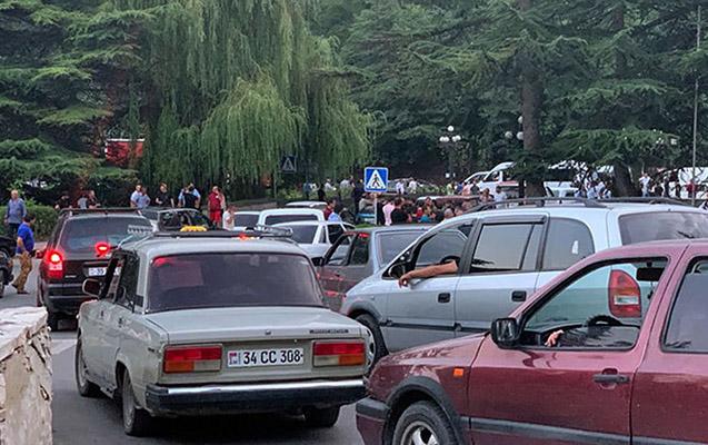 Ermənistanda 13 nümayişçi saxlanıldı