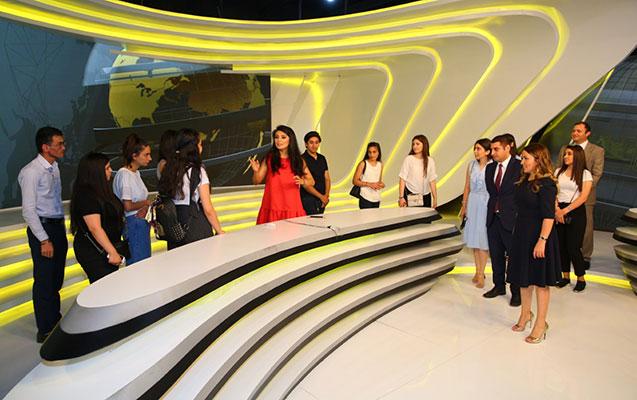 Binəqədi RİH televiziya binalarına ekskursiya təşkil etdi