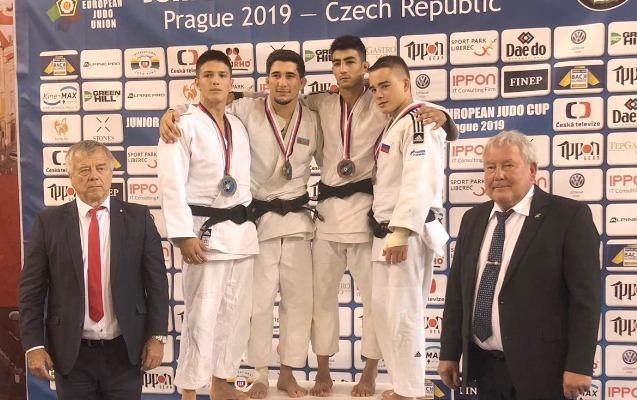 Cüdoçularımız 1 gündə 3 medal qazandı