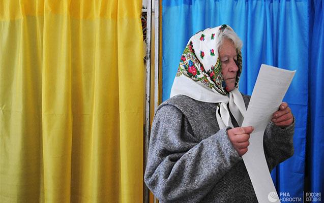 Ukraynada növbədənkənar parlament seçkiləri keçirilir